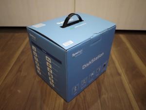 DiskStation 412+ 箱ナナメ