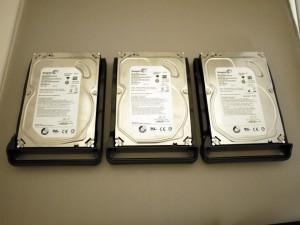 DiskStation 412+ ハード ドライブ トレイ & HDD を3セット
